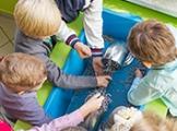 Znaczenie eksperymentu w zabawie - naturalne strategie uczenia się dzieci